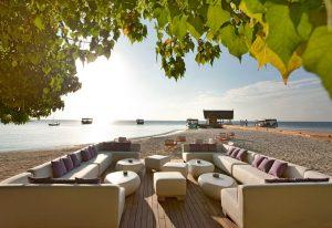 Açık Oturma Alanları, Constance Moofushi Maldives
