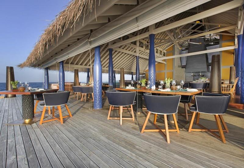Açık Restoran, Anantara Kihavah Maldives Villas