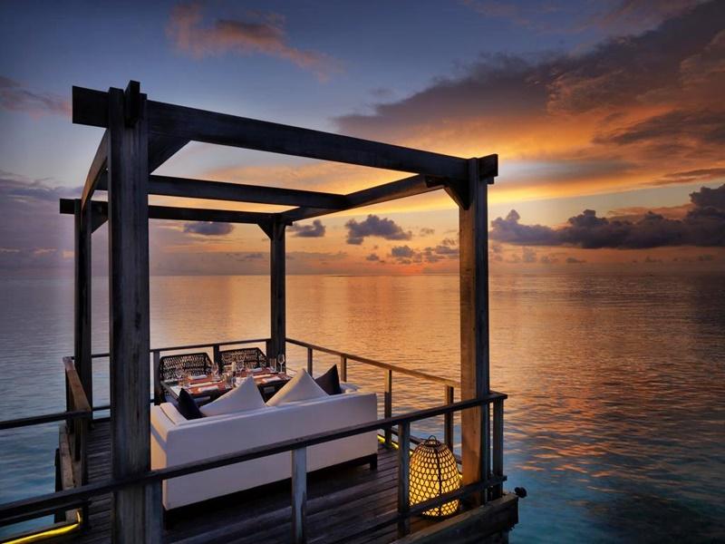 Akşam Yemeği, Jumeirah Vittaveli Maldivler