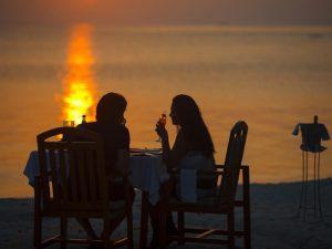 Akşam Yemeği, Medhufushi Resort, Maldivler