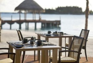 Plaj Restoran, Anantara Dhigu Resort Maldivler