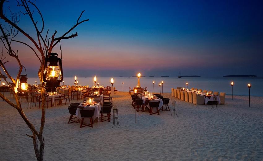 Sahil Restoran, Anantara Kihavah Maldives Villas