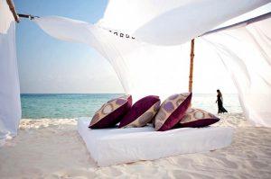 Yaz Tatili, Constance Moofushi Maldivler