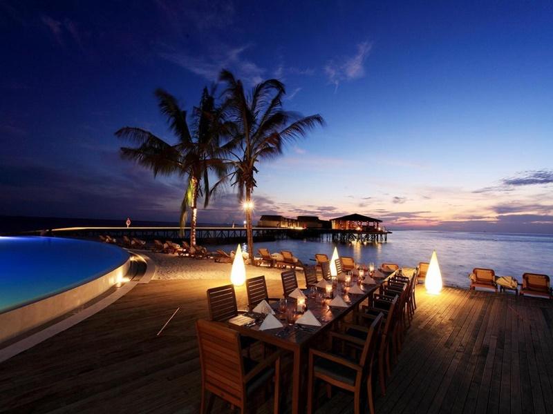 Açık Restoran, Centara Ras Fushi Maldives