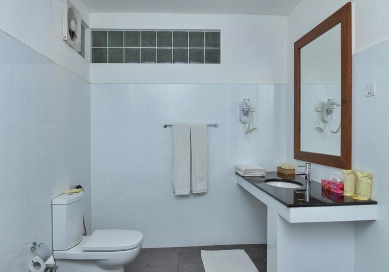 Adaaran Select Hudhuranfushi Maldives Banyo