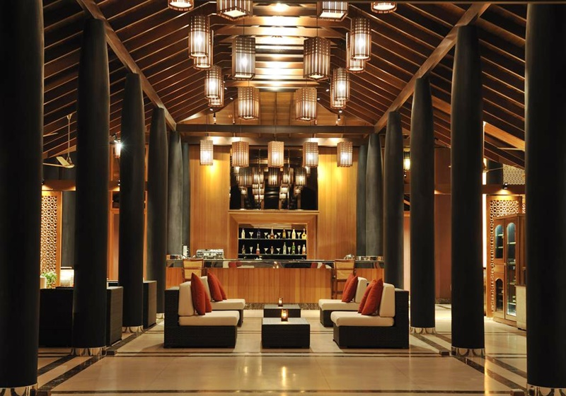 Bar, Paradise Island Resort Maldives