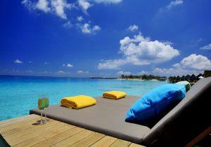 Bungalov Güneşlenme, Centara Ras Fushi Maldives