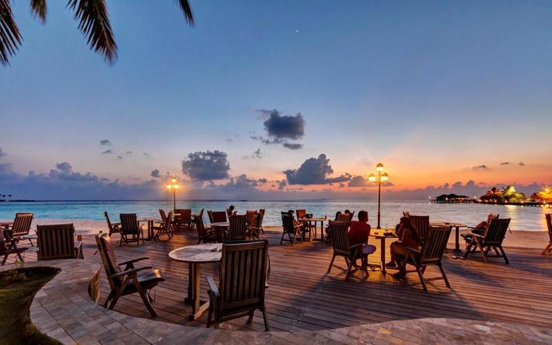 Cafe, Paradise Island Resort Maldives