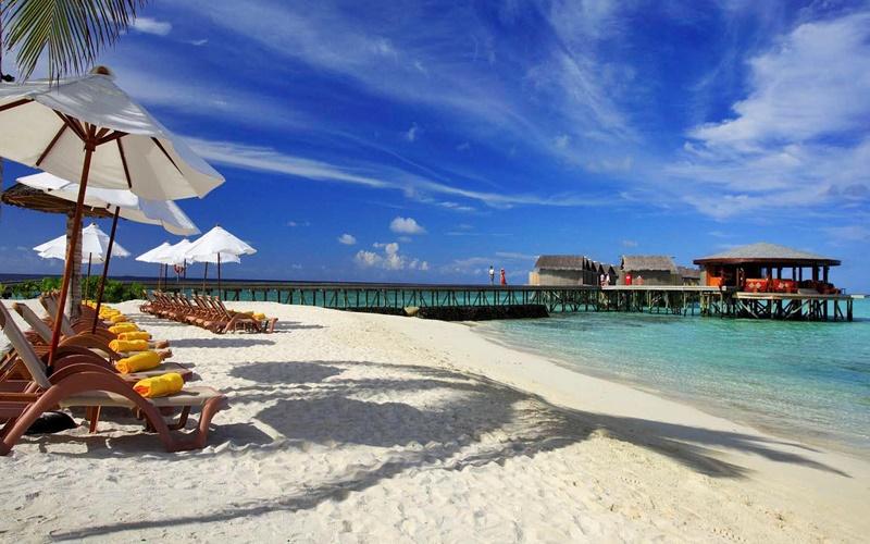 Güneşlenme Alanları, Centara Ras Fushi Maldives