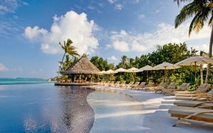 Lux Resort Maldivler Plaj