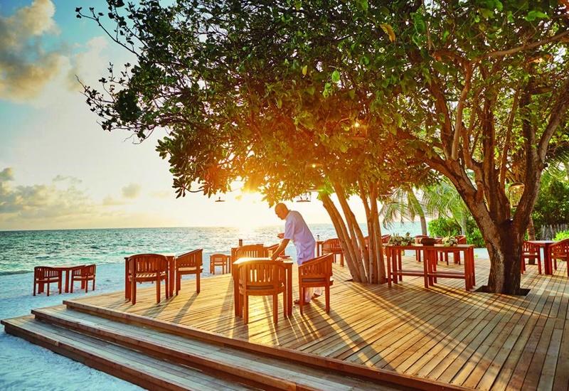 Lux Resort Maldivler Plaj Restoran